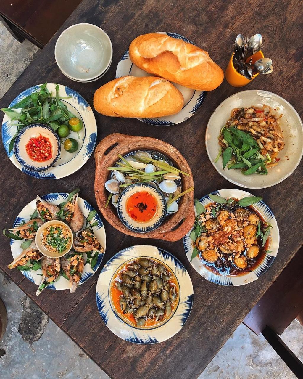 5 quán hải sản tươi ngon ở TP.HCM cho hội bạn thân tụ tập - Ảnh 8.