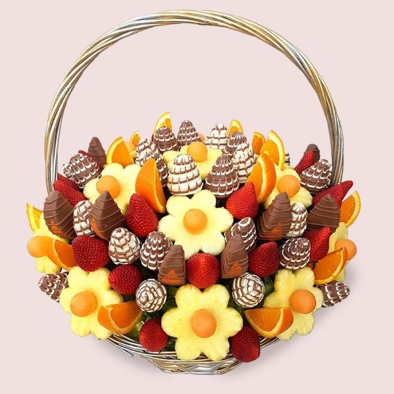 Suon nuong va nhung bo hoa lam tu do an cho dip Valentine hinh anh 4 royal_fruit_bouquet_590d762e2b7ff.jpeg