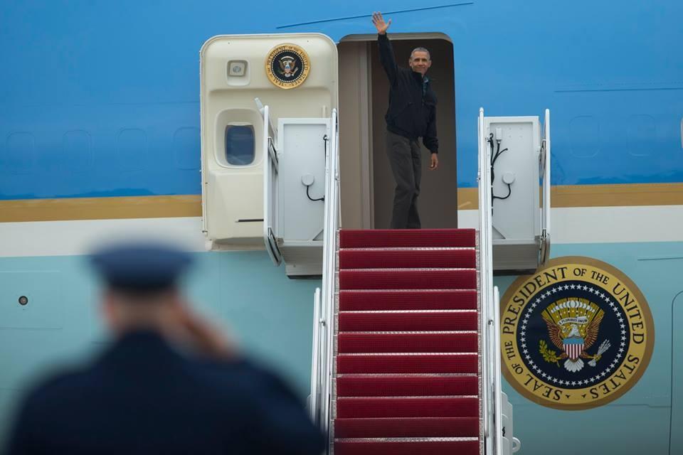 Tong thong Obama roi Washington, len duong toi Viet Nam hinh anh 7