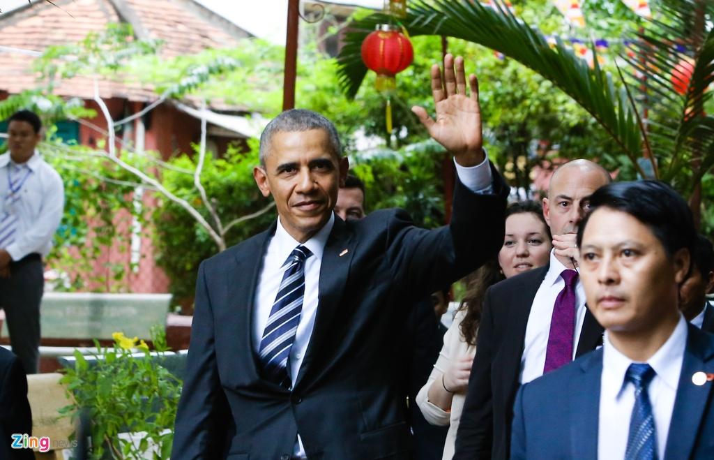 Tong thong Obama tham chua Ngoc Hoang o Sai Gon hinh anh 8