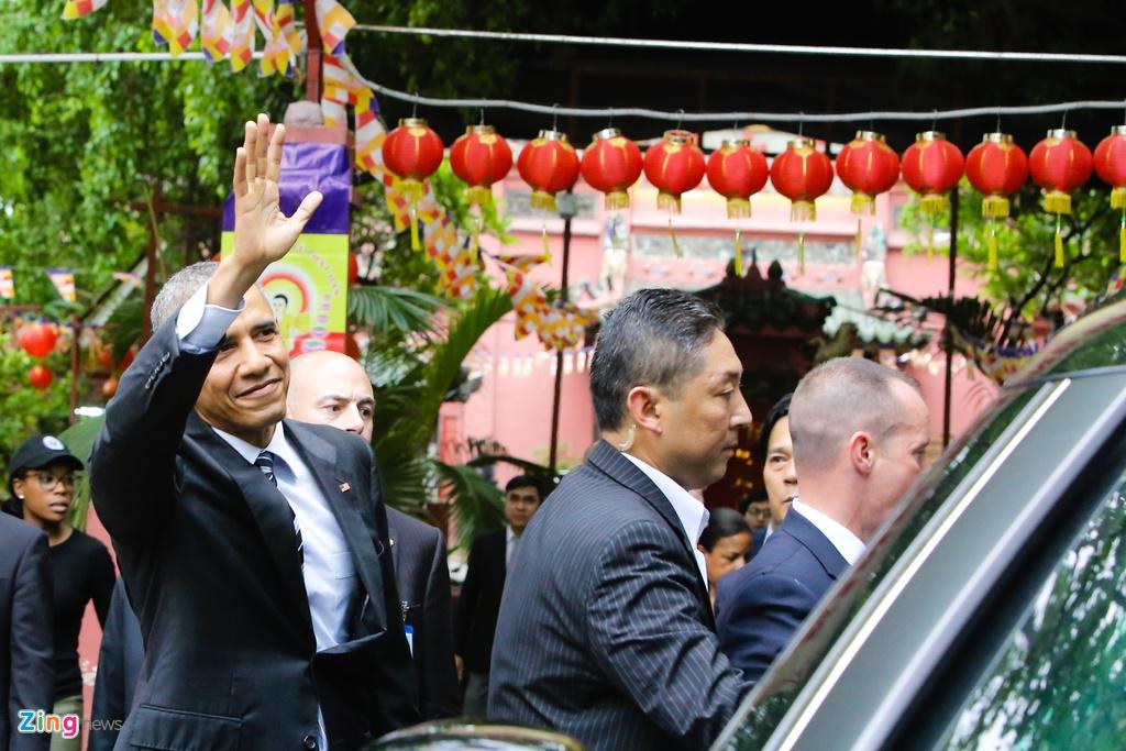 Tong thong Obama tham chua Ngoc Hoang o Sai Gon hinh anh 9