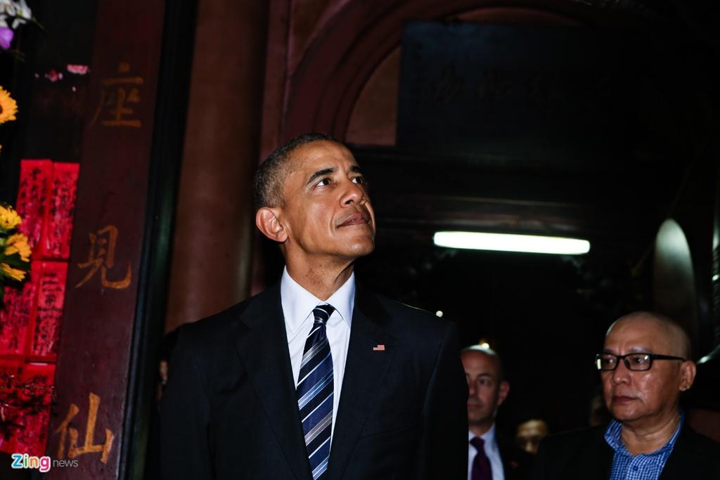 Tong thong Obama tham chua Ngoc Hoang o Sai Gon hinh anh 2