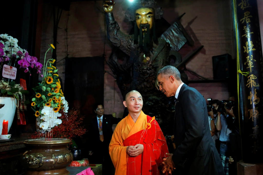 Tong thong Obama tham chua Ngoc Hoang o Sai Gon hinh anh 5