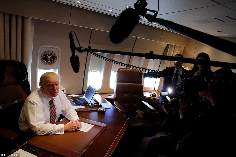 phong lam viec cua Trump tren Air Force One anh 9