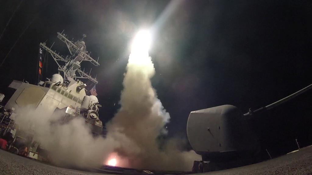 24 gio tu tuyen bo den doi ten lua vao Syria cua Trump hinh anh 5