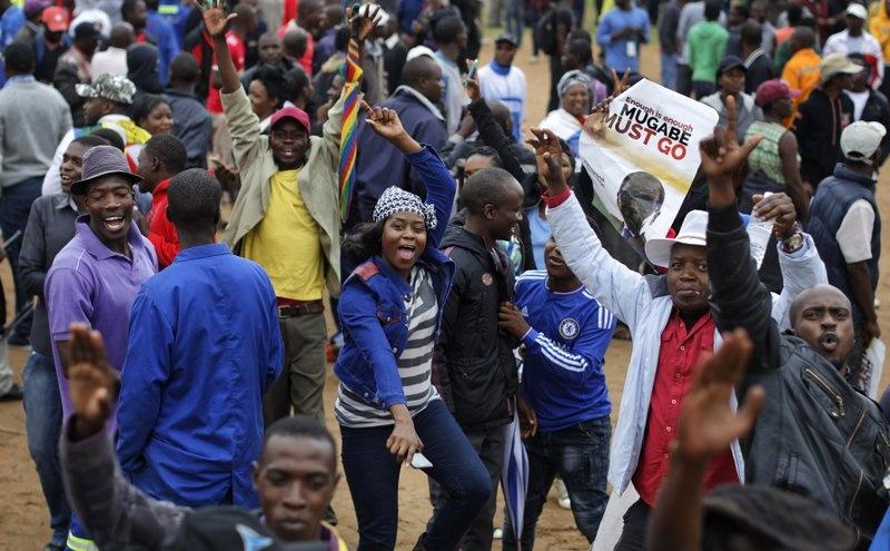Dan Zimbabwe xuong duong doi ket thuc 'trieu dai Mugabe' hinh anh 3