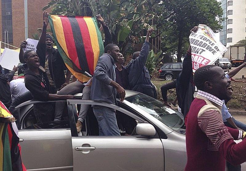 Dan Zimbabwe xuong duong doi ket thuc 'trieu dai Mugabe' hinh anh 4
