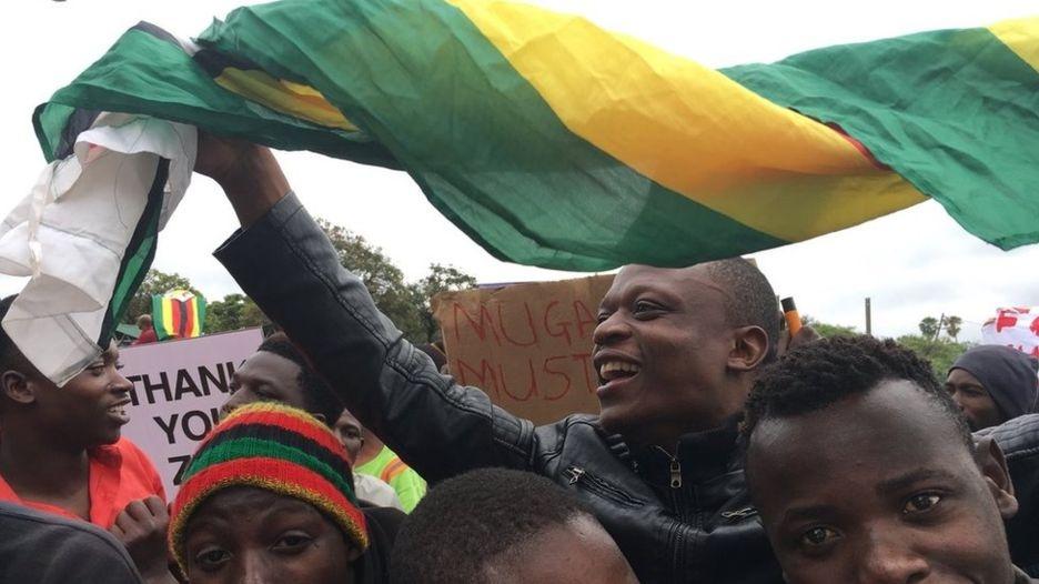 Dan Zimbabwe xuong duong doi ket thuc 'trieu dai Mugabe' hinh anh 6