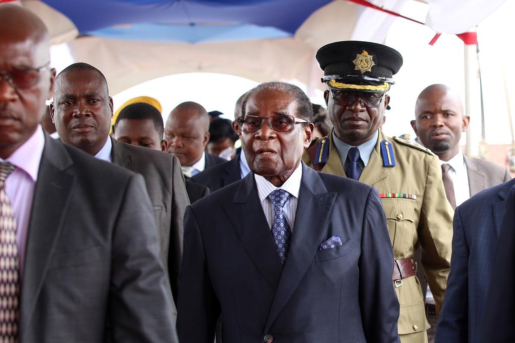 Dan Zimbabwe xuong duong doi ket thuc 'trieu dai Mugabe' hinh anh 10