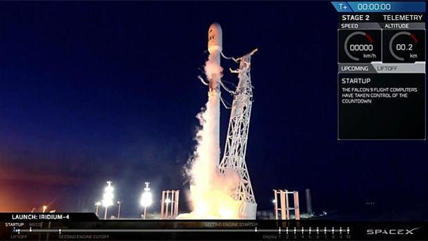 Luong sang nhu UFO do phong ten lua Falcon 9 hinh anh 2