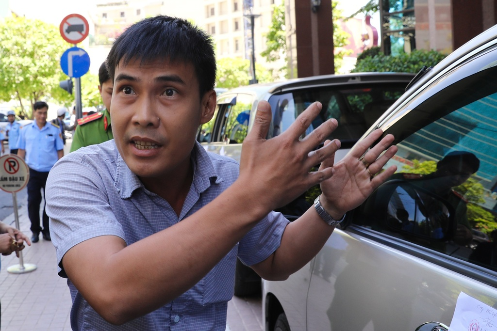 Nguoi Sai Gon phan ung truoc 'con loc dep via he' hinh anh 5