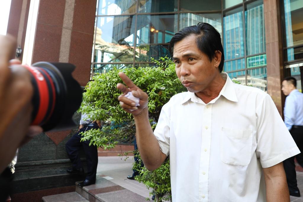 Nguoi Sai Gon phan ung truoc 'con loc dep via he' hinh anh 6