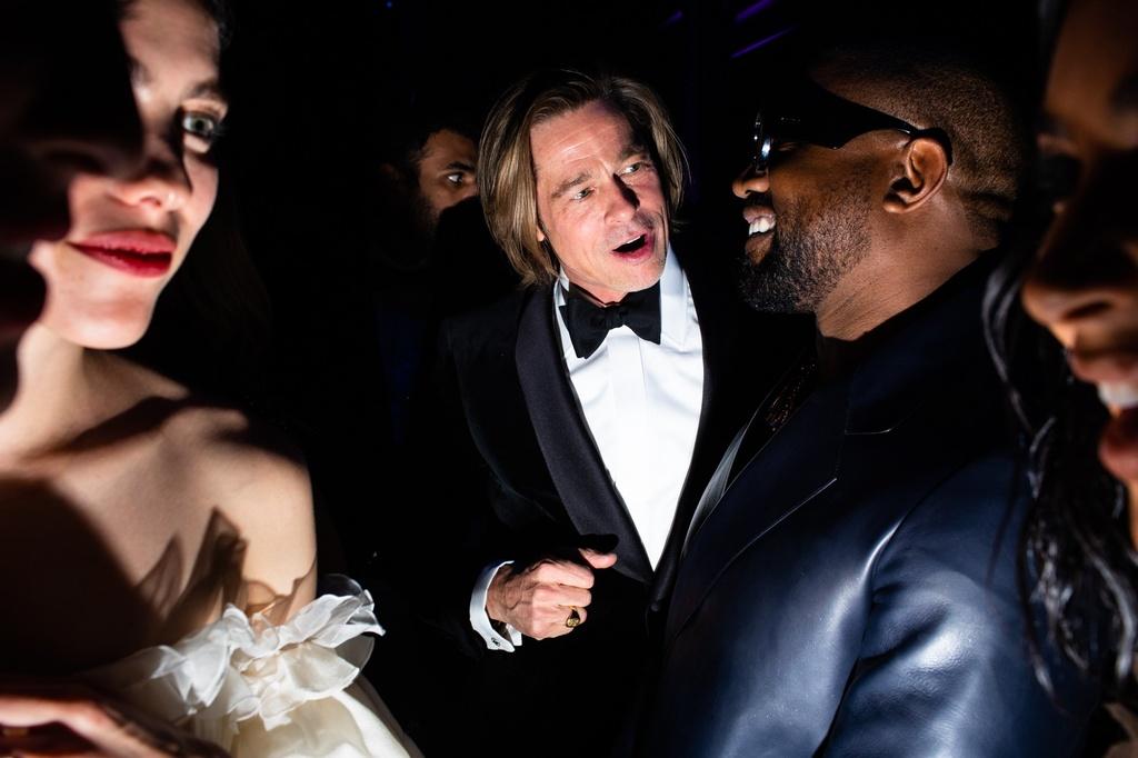 Brad Pitt om hon ban be tai tiec Oscar 2020 hinh anh 6 inside_the_oscar_party_2020_LNVFOscars_0761.jpg
