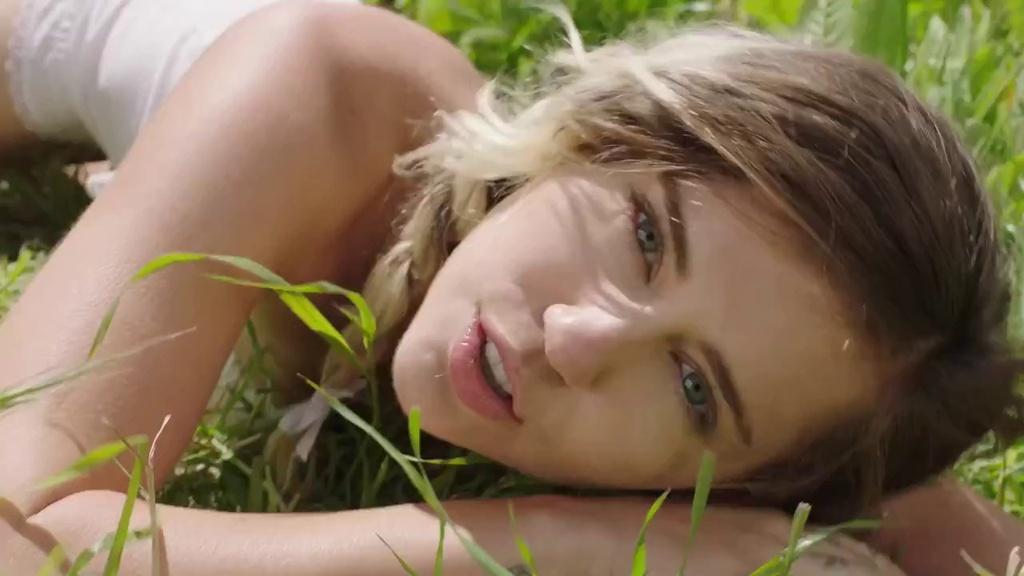 Miley Cyrus: Chap nhan nham chan de duoc la chinh minh? hinh anh 3