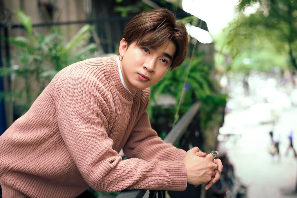 Chi Dan: 'Fan cua toi dong khong kem Son Tung M-TP'