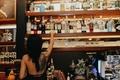 nu bartender anh 11