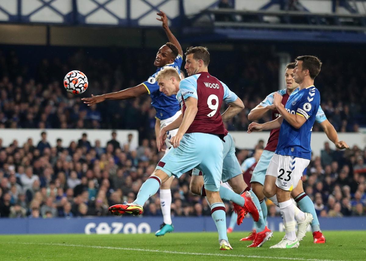 Everton bang diem MU anh 4