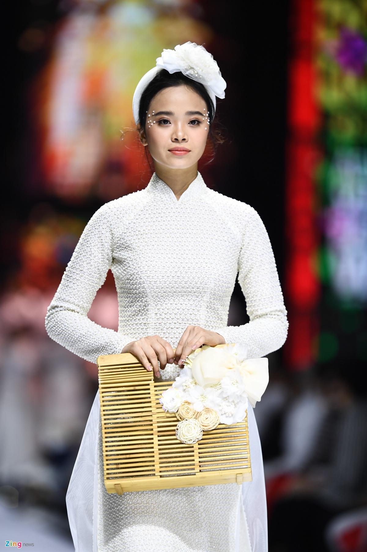 NTK Minh Chau anh 20