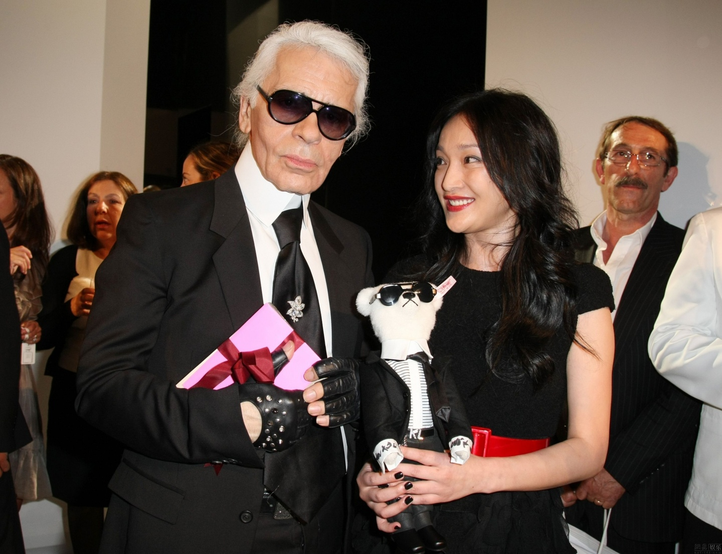 Karl Lagerfeld tung sung ai nhung my nhan Trung Quoc nao? hinh anh 1