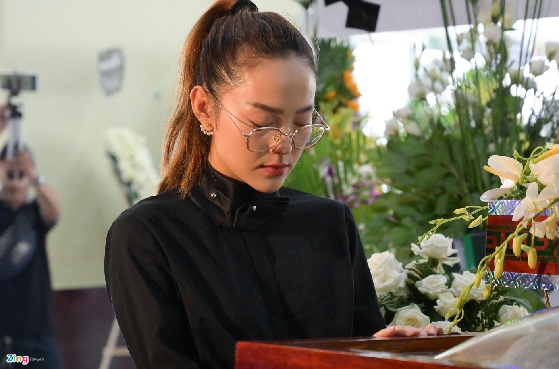 NSUT Thanh Loc, Minh Hang va dong nghiep nghen ngao vieng NS Le Binh hinh anh 5