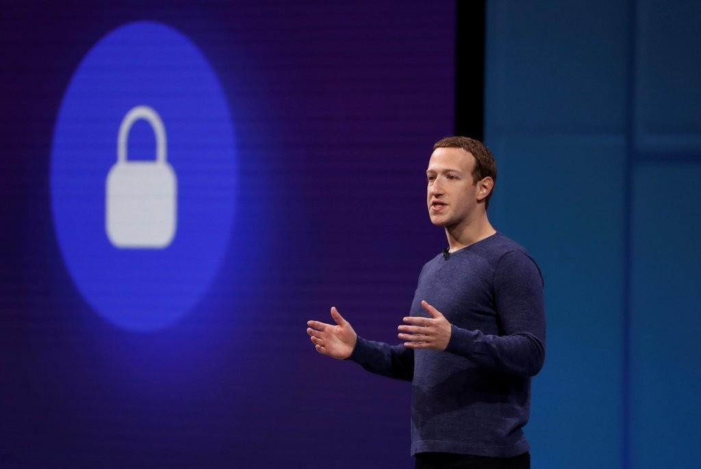 Lưu mật khẩu dạng plaintext là cách làm việc lạc hậu, nghiệp dư. Ảnh: Reuters.