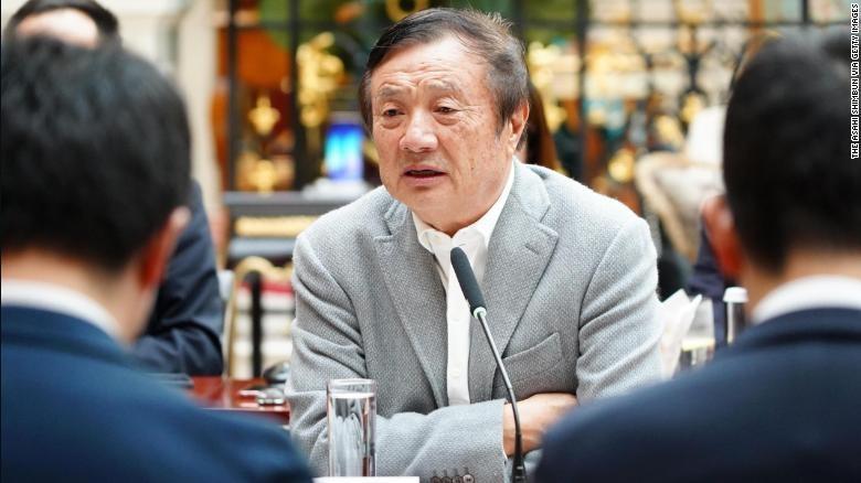 Ông Nhậm Chính Phi xuất hiện trước truyền thông sau những scandal của Huawei. Ảnh: CNN.