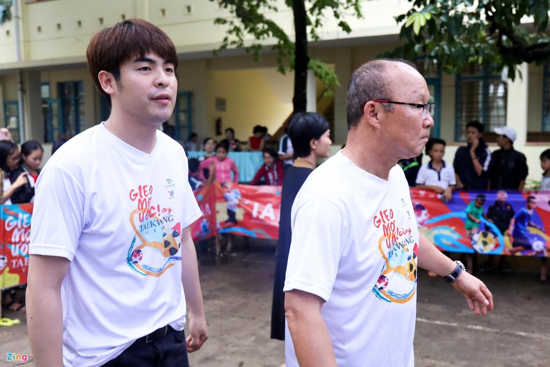 Vi sao VFF chua the gia han hop dong voi HLV Park Hang-seo? hinh anh 1