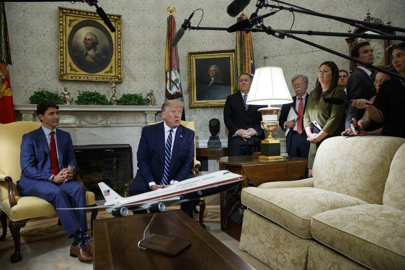 May bay da cat canh, vi sao TT Trump huy quyet dinh tan cong Iran? hinh anh 1