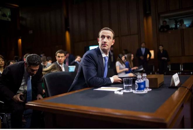 Chỉ phạt tiền sẽ không phải là mức răn đe khiến cho Facebook và Mark Zuckerberg phải thay đổi. Ảnh: Getty.