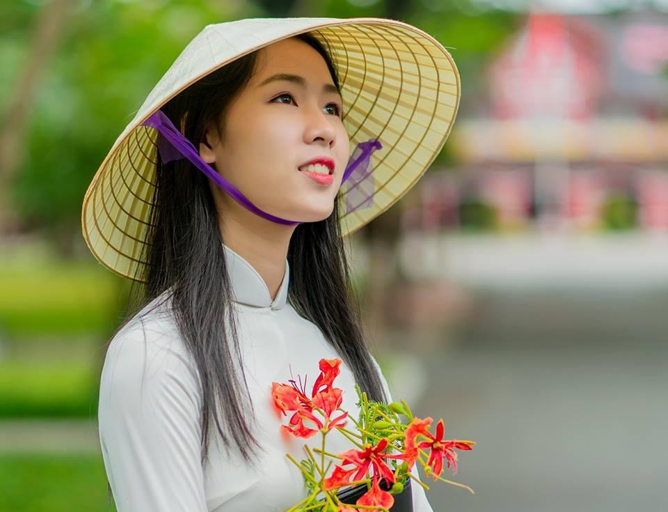 Ve dep cua 10 co gai Hue vao ban ket Hoa khoi Sinh vien Viet Nam 2018 hinh anh 3