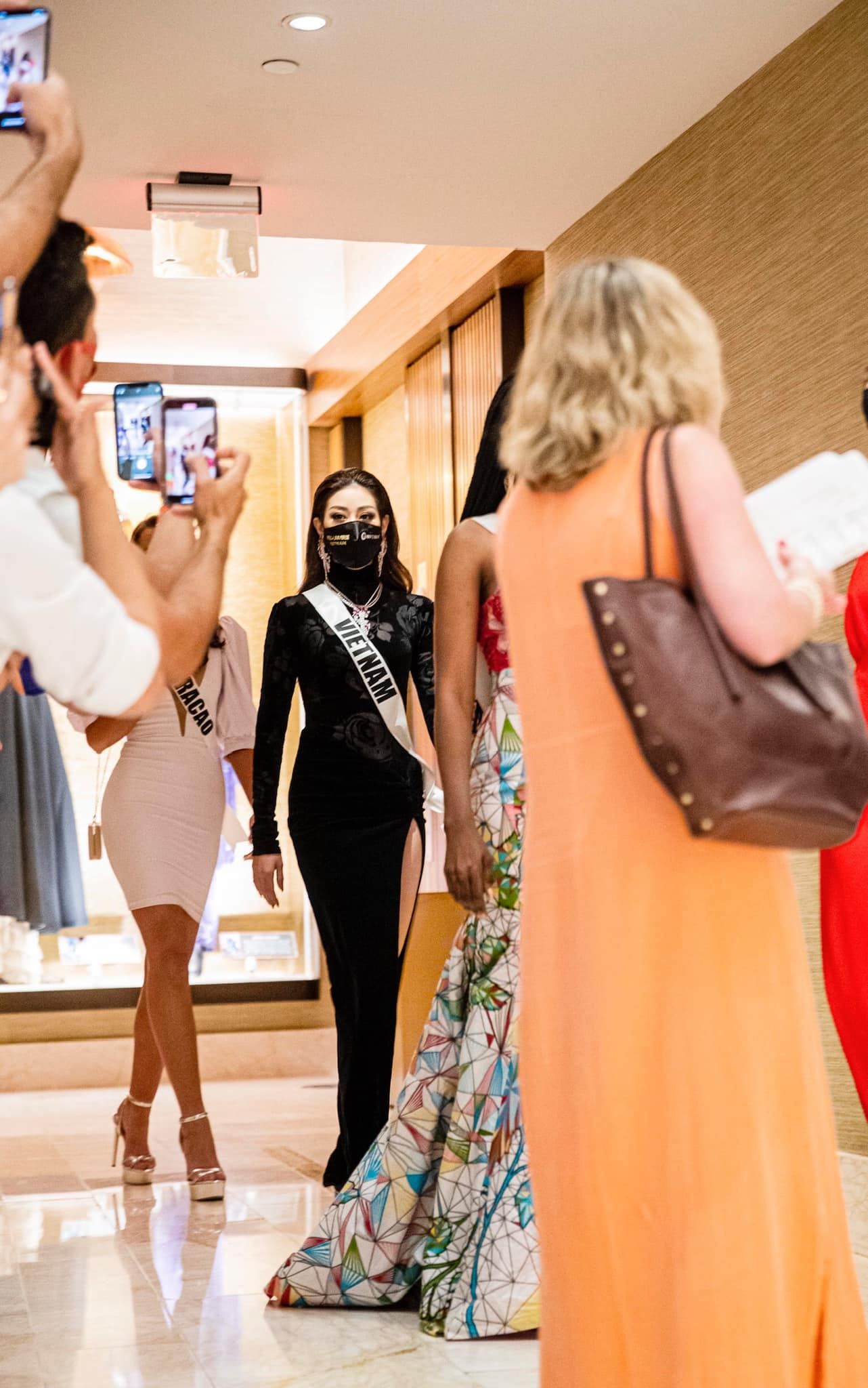Khanh Van Miss Universe anh 1