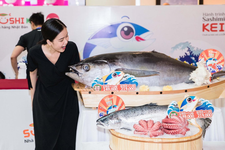 Thuong thuc sashimi che bien tu ca ngu dai duong nang 100 kg hinh anh 4