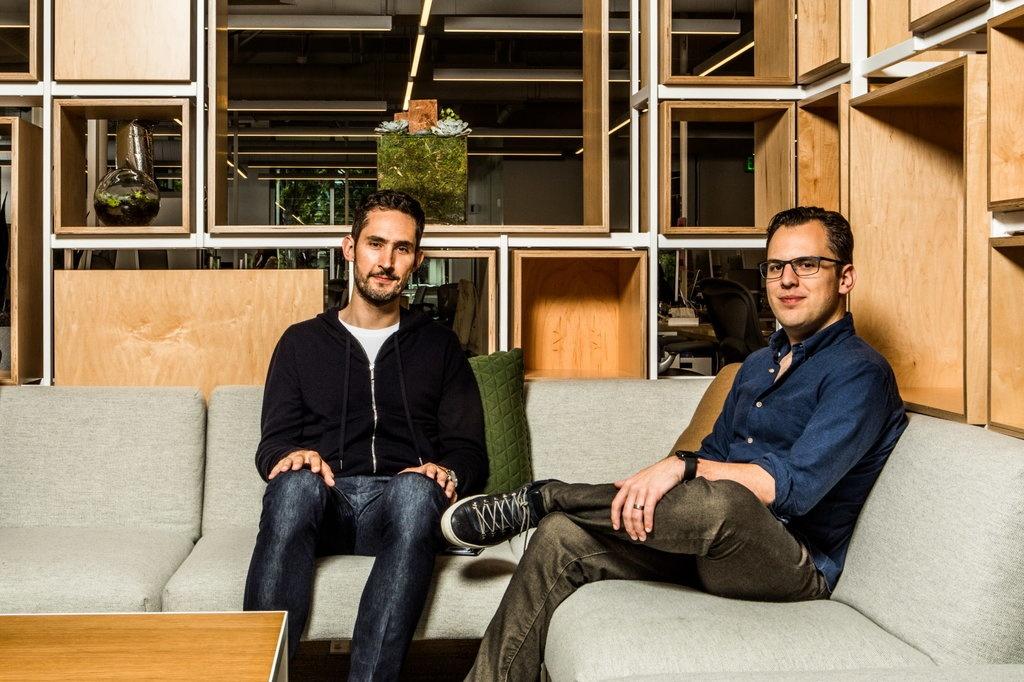 Hai nhà đồng sáng lập của Instagram đã rời Facebook vào tháng 9, sau mâu thuẫn với Mark Zuckerberg về phát triển sản phẩm. Ảnh: New York Times.