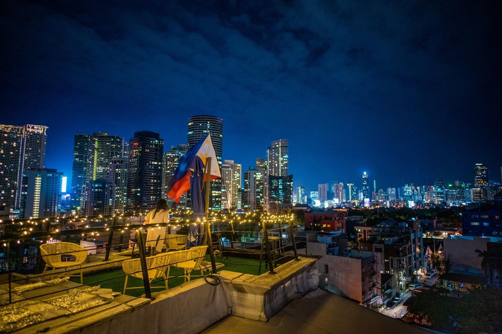 Manila chat vat hoi sinh cuoc song ve dem anh 8