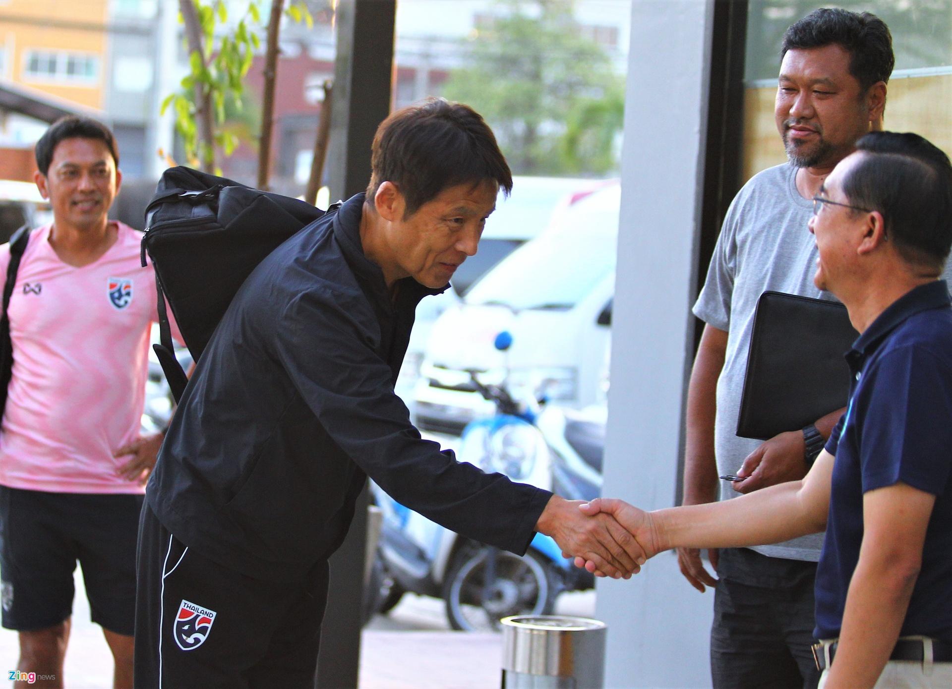 HLV Nishino nhan cai ket phu phang o Thai Lan anh 1