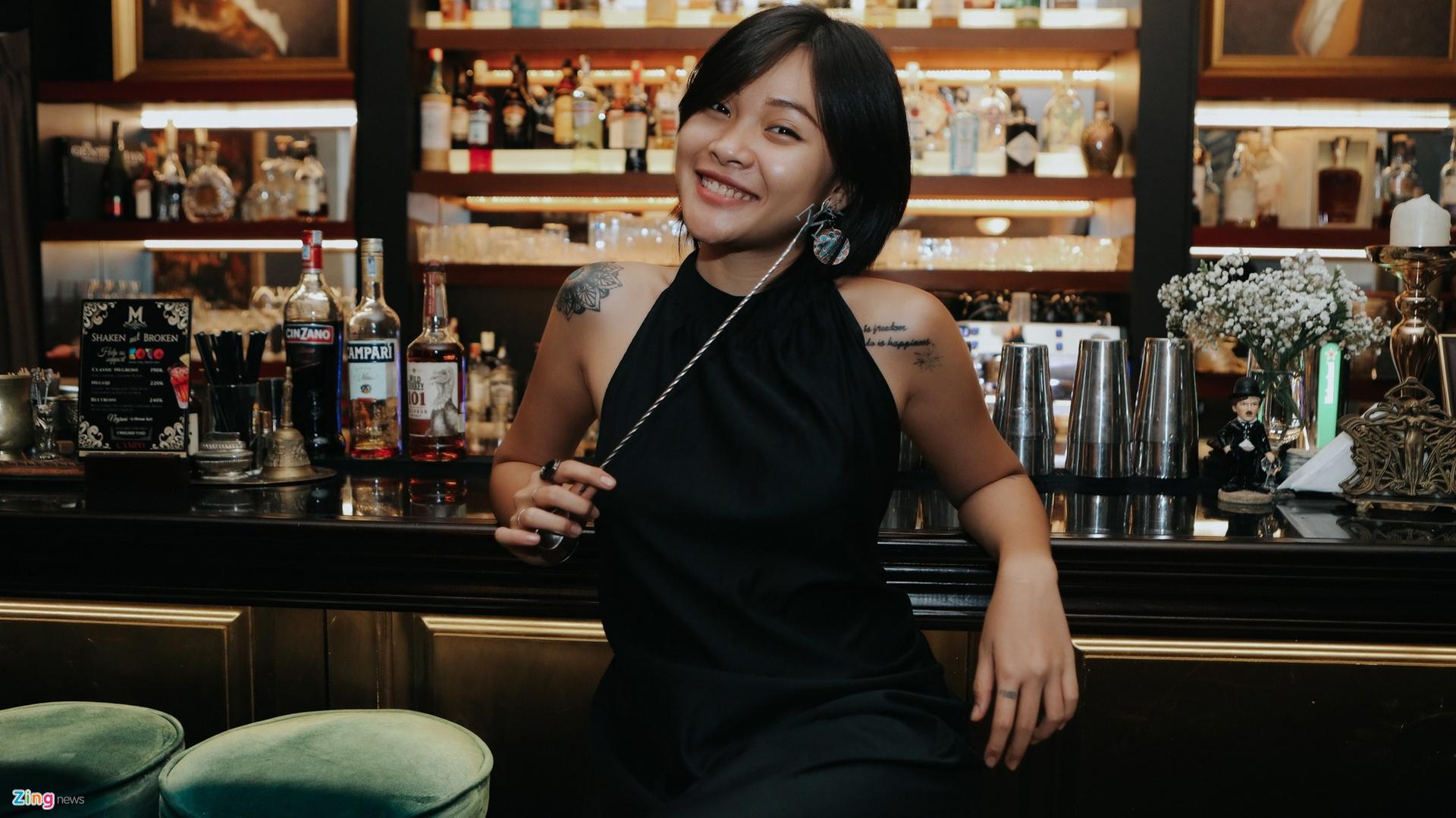 bartender o tp.hcm tam nghi vi dich anh 1