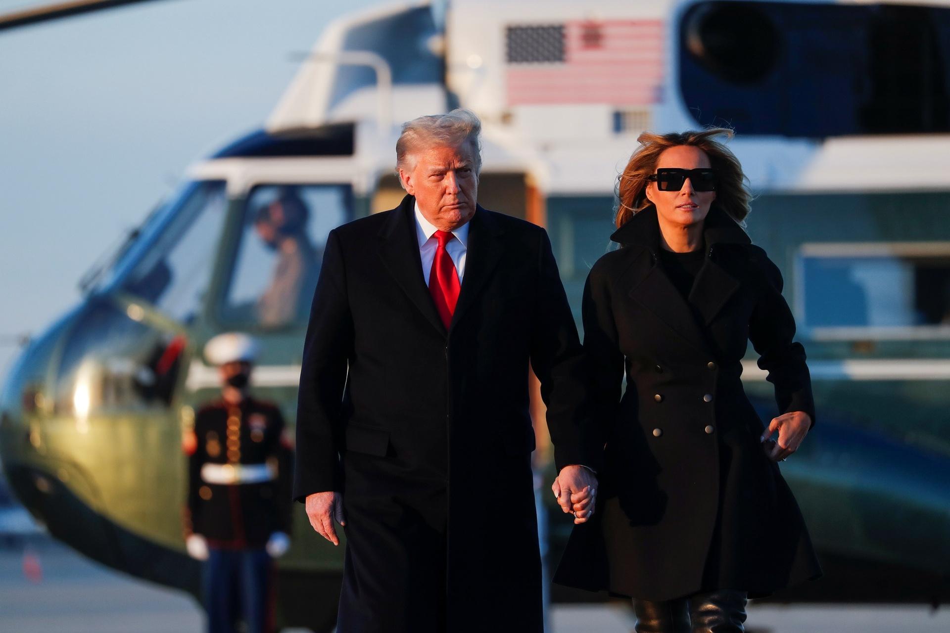 Trump tu day chinh phu vao khung hoang anh 1