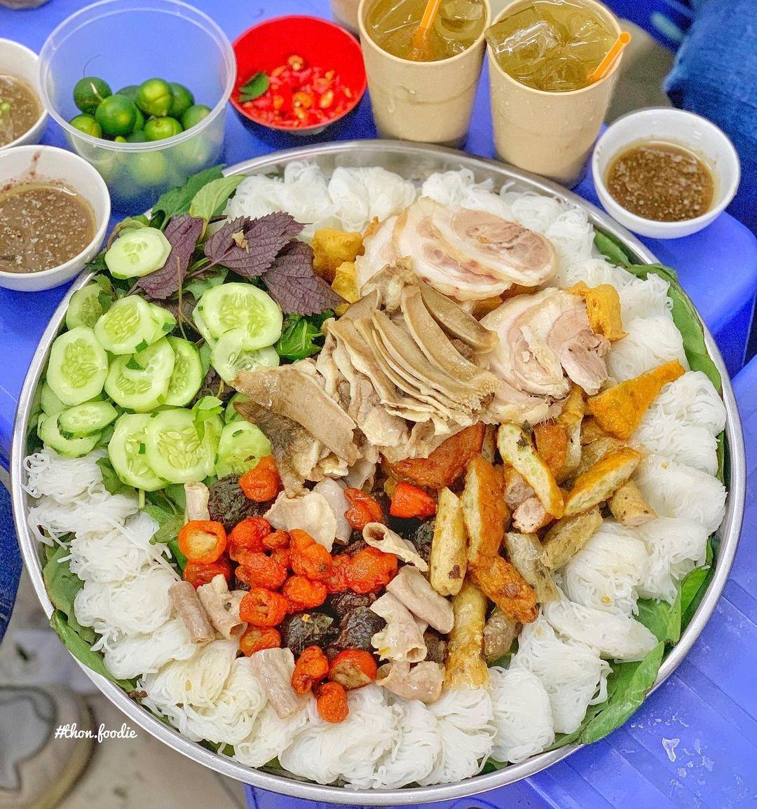 Food tour o pho co Ha Noi anh 6