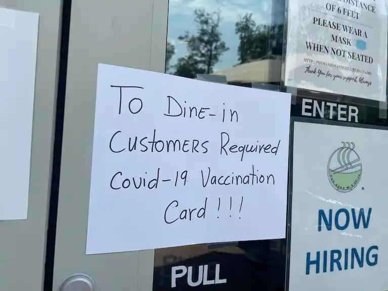nha hang tu choi khach chua tiem vaccine anh 1