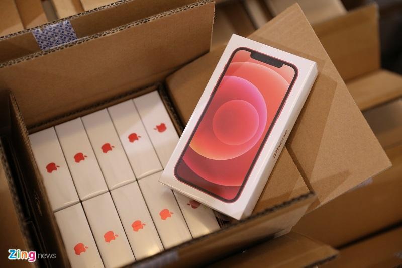 Mo ban iPhone 12 anh 4