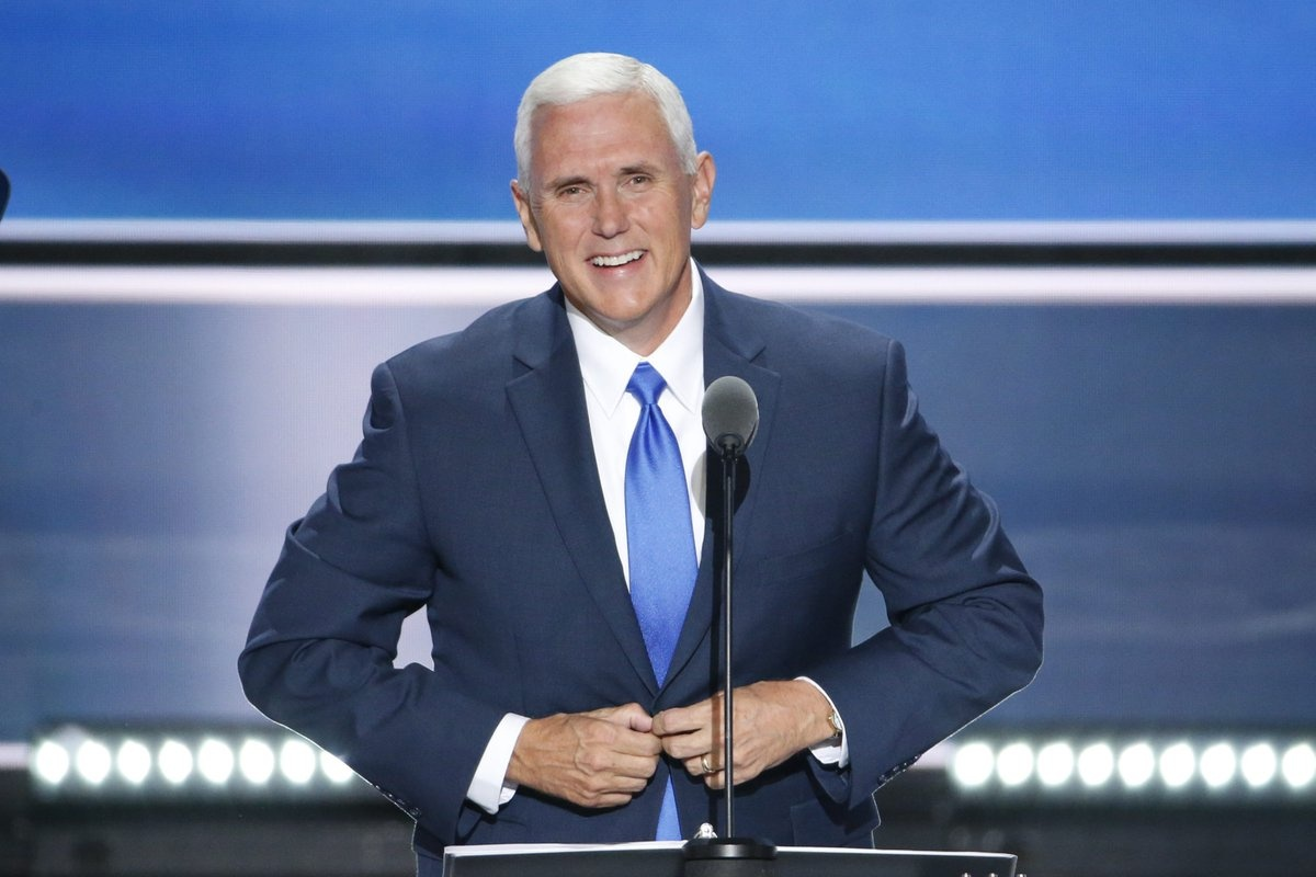 Ong Trump va ong Pence khong chung quan diem anh 1