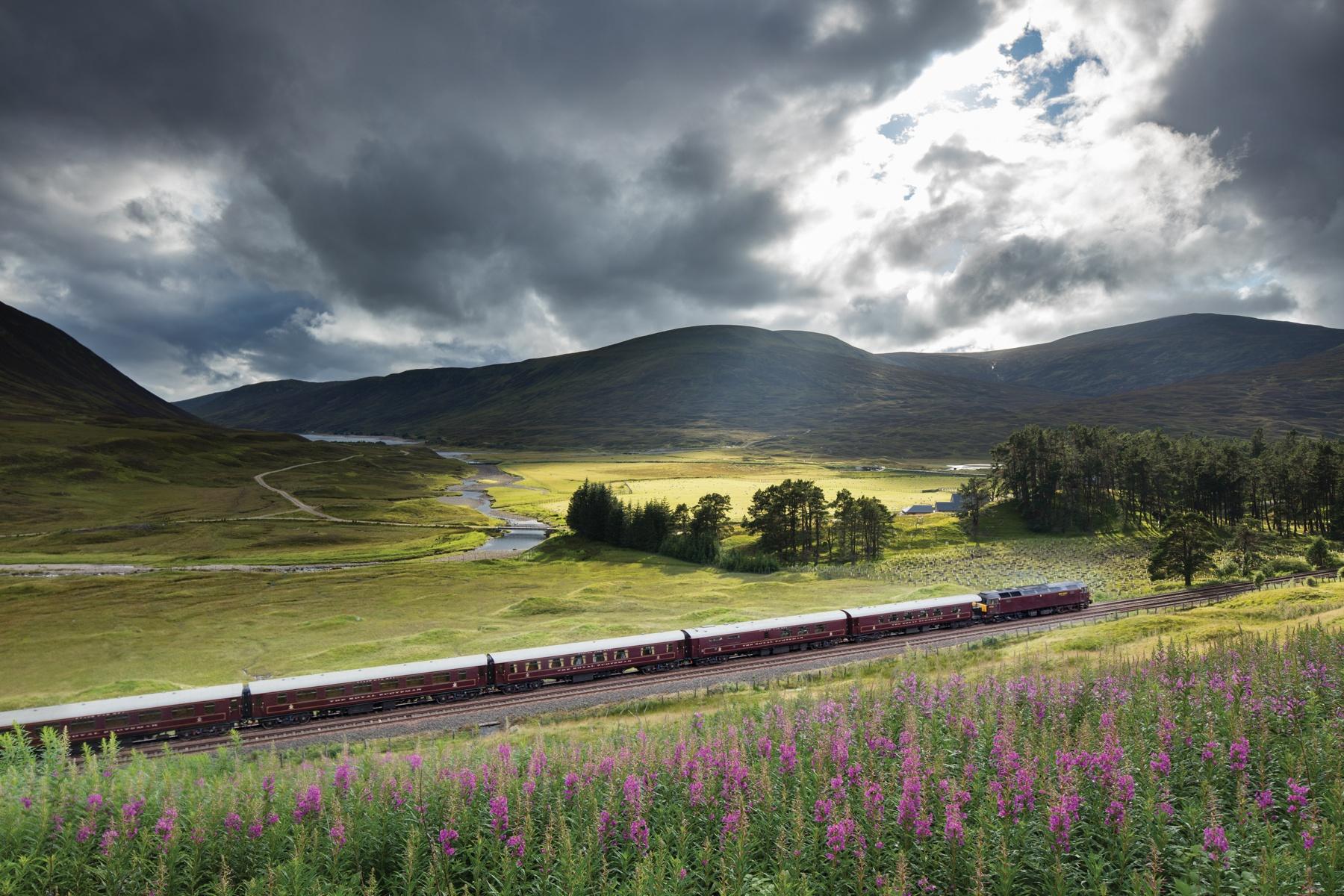 du lich tau hoa hoang gia Scotland anh 9