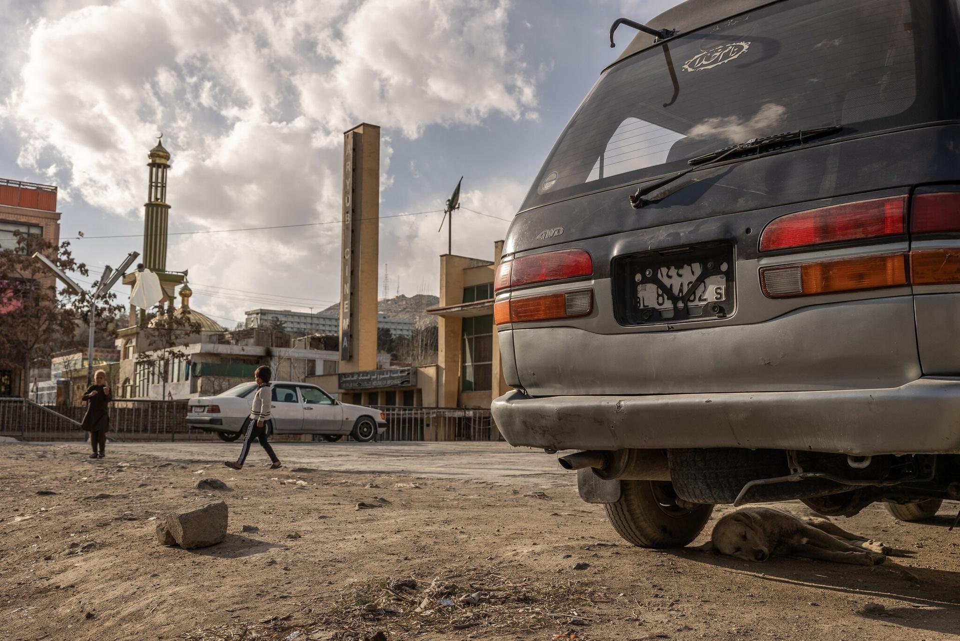 Cho hoang tan cong,  thu do Kabul,  toi pham gia tang anh 2