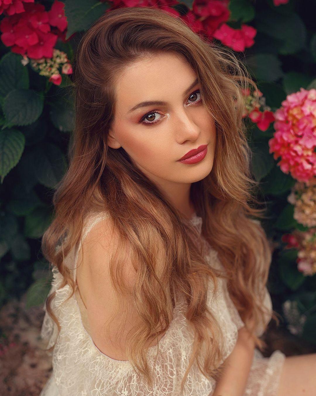 hoa hau Maya Albert anh 16