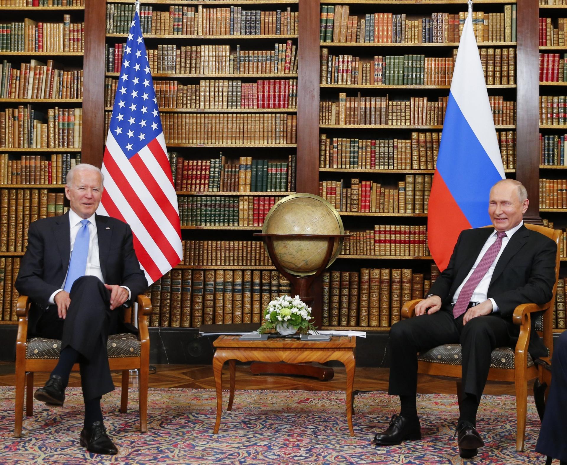Thu vien lich su don Biden - Putin anh 6