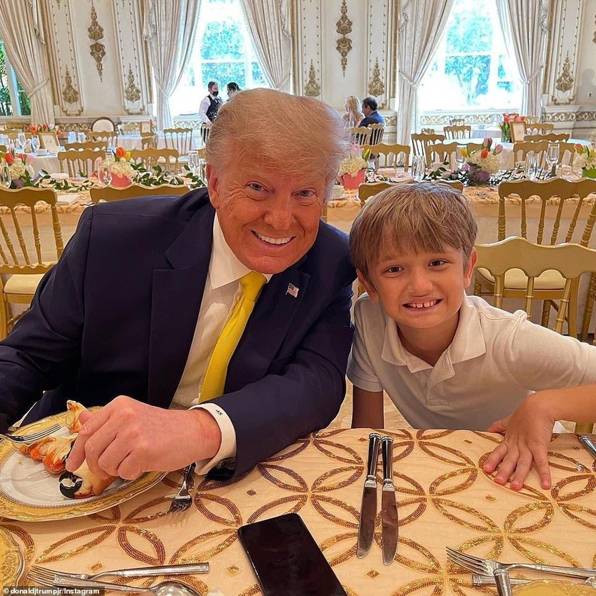 Ong Trump quay quan ben dan chau anh 3