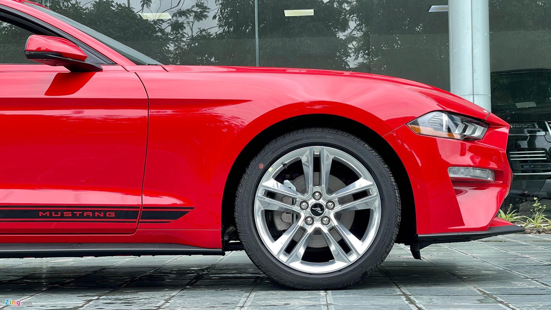 Ford Mustang 2021 tai Viet Nam anh 8