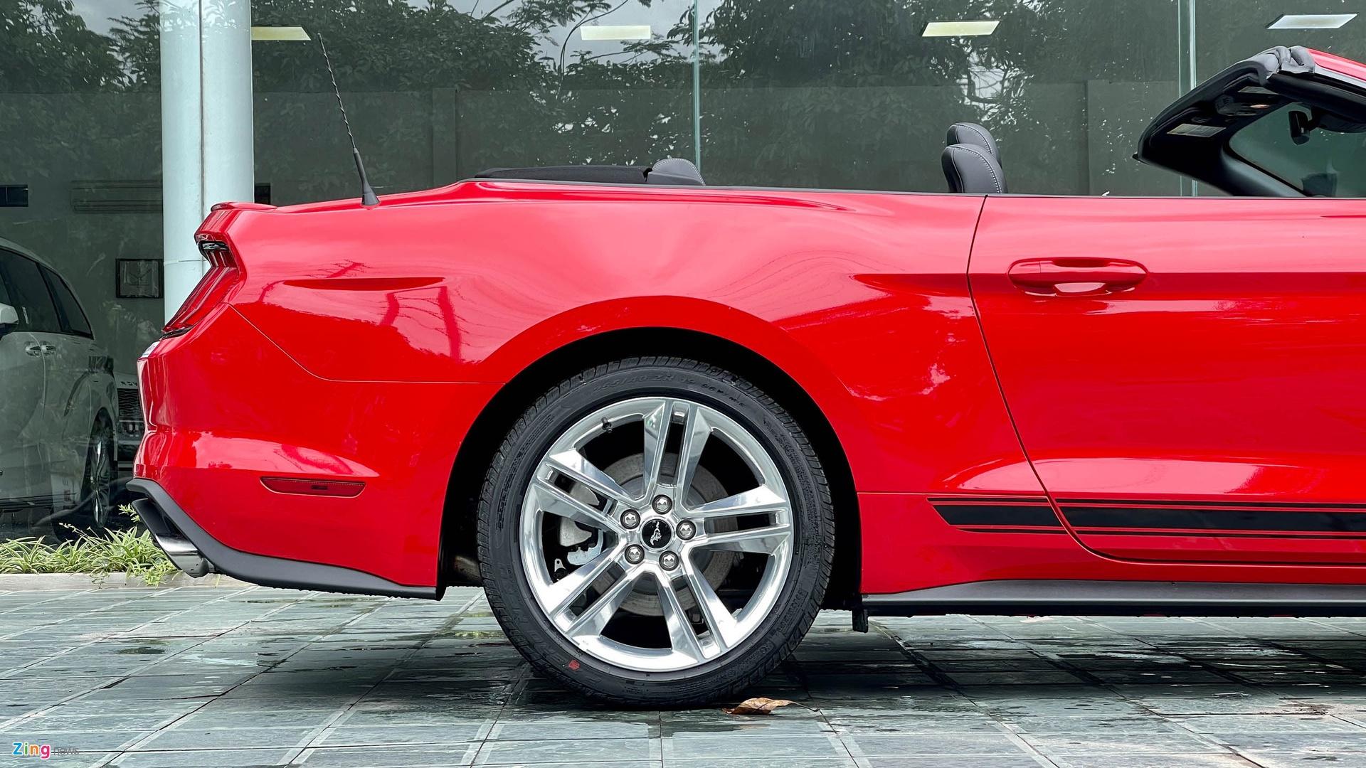 Ford Mustang 2021 tai Viet Nam anh 7