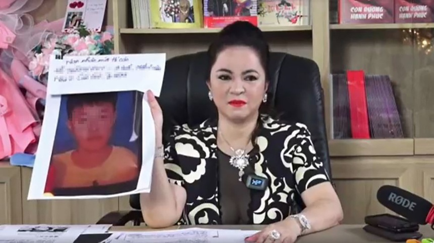 Dam Vinh Hung to cao ba Nguyen Phuong Hang anh 1