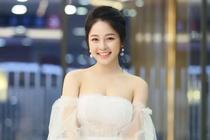 Hot girl Tram Anh lan dau check-in mang xa hoi sau 3 thang im lang hinh anh
